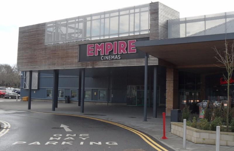 Empire-Cinema-–-Hemel-Hempstead-www.sarrattvilliage.co_.uk